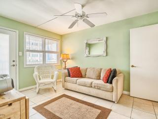 Great family friendly condo! Steps from the beach! - Wildwood Crest vacation rentals
