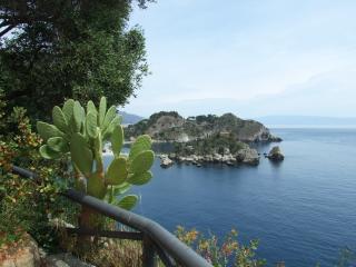 villa fronte isola bella taormina - Taormina vacation rentals