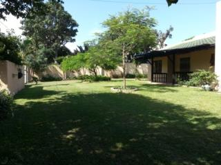 Sunshine 2 Bedroom  6 to 8 Sleeper - Shelly Beach vacation rentals
