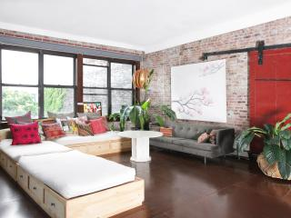 Spacious 4 bedroom Loft for Families or Companies - New York City vacation rentals