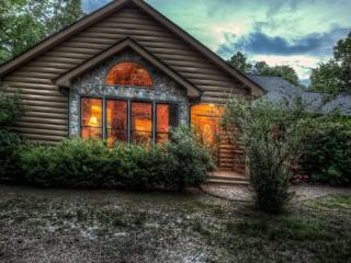 Yawateg - For all the trees, hills and seclusion, you`ll enjoy this pet friendly vacation cabin - McCaysville vacation rentals