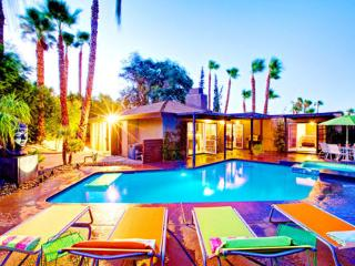 The Luna Paradise | Luxury Vacation Rental Home by Owner in Palm Springs ~ RA49053 - Palm Springs vacation rentals