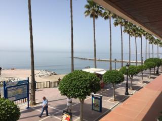 Apartment Beachfront/en face de la plage - Marbella vacation rentals