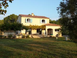 Luminous countryside villa with superb view - Alpes de Haute-Provence vacation rentals