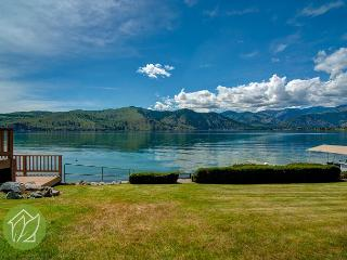 Northshore Lake Chelan Waterfront Retreat w/Private Dock & Pet Friendly - Manson vacation rentals