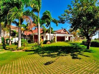 Las Palmas #87 beautiful, blends golf and luxury inside cap cana - Punta Cana vacation rentals