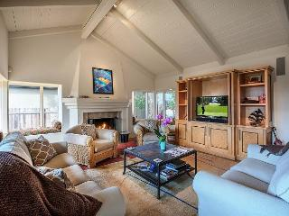 3554 Otter's Rest ~ Ocean Views, Gourmet Kitchen, Hot Tub, 1 Block to the Sea - Pacific Grove vacation rentals