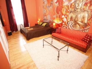 Chic downtown SouperRooms Apartment with 5bedrooms - Budapest & Central Danube Region vacation rentals