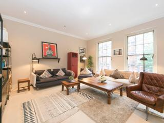 2BR - Earls Court - CM5 - London vacation rentals
