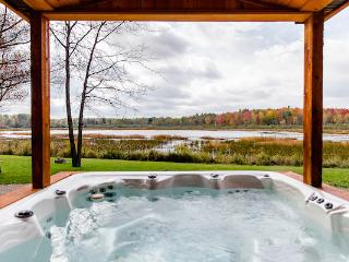 The Lake Cottage at Meemo's Farm & Retreat - Evart vacation rentals