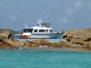 Classic 4BR Motor Yacht for a Dream Vacation - Hamilton vacation rentals
