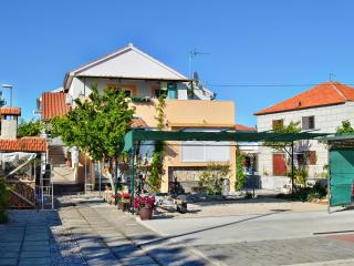 TH00512 Apartments Ante / One bedroom A3 - Tribunj vacation rentals