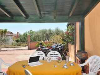 Panoramica casa vacanze a 200 mt dalla spiaggia - Arbatax vacation rentals