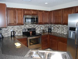 4460 GH  Deluxe 4 Bdrm, 2.5 Bath, Wi-Fi, conservation view - Orlando vacation rentals