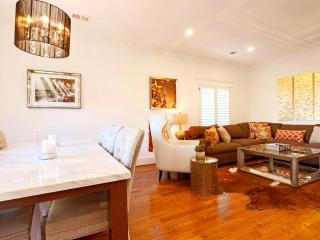 WH English Pool House - Between Melrose and the Sunset Strip! English style cottage with pool! - West Hollywood vacation rentals