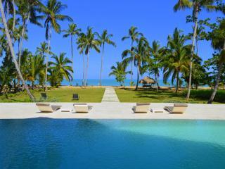 Gorgeous 10-bedroom beachfront villa - Las Terrenas vacation rentals