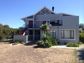 Bertleys Holiday House - Hermanus vacation rentals