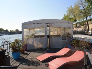 Seine River -Boat Champs Elysees-5guests #1384 - Ile-de-France (Paris Region) vacation rentals