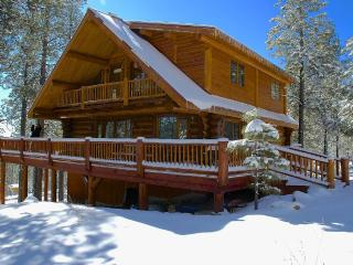 Hidden Hollow Log Cabin with Kid's Tree House - Northern Arizona and Canyon Country vacation rentals