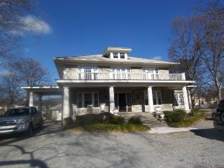 5 Miles to Downtown Nashville!!! - Brentwood vacation rentals