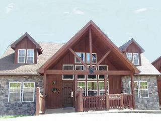 Wilderness Lodge : 4 Bedroom, 4 Bath Stonebridge Golf Resort Cabin - Branson West vacation rentals