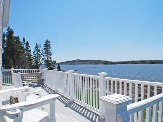 BAR ISLAND COTTAGE - Town of Milbridge - DownEast and Acadia Maine vacation rentals