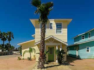 4BR/3.5BA Nautical Home in Port Aransas, Walk to the Beach, Sleeps 10 - Port Aransas vacation rentals