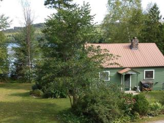 Tuckaway Right on the Lake - Paradox vacation rentals