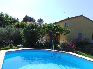Villa MACLEJADE - Aix-en-Provence vacation rentals