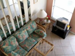 2 bedroom, 1 bath condo sleeps 6 - Gulf Shores vacation rentals