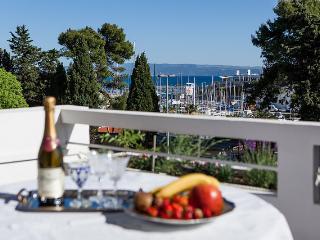 Splithit!!!The best location! - Split vacation rentals