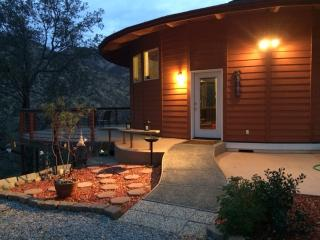 Romantic Sequoia Mountain View Yurt Round House - Three Rivers vacation rentals