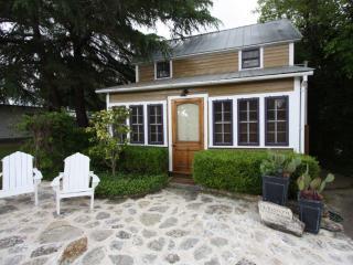 Flagstone Sunday House - Fredericksburg vacation rentals