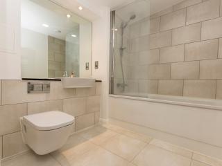 Cozy & Bright Southwark Flat - London vacation rentals