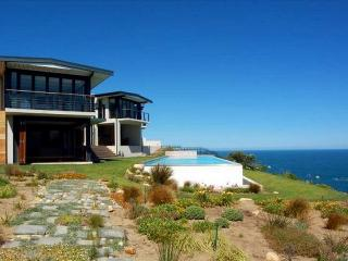 South Africa's Garden Route, 4 Bedrooms, Pool & Majestic Ocean Views at Knysna - Knysna vacation rentals