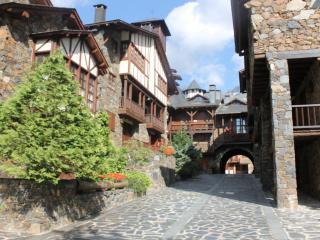 ARINSAL DUPLEX borda typica MONTAGNE 6/8 - Arinsal vacation rentals
