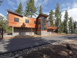 BRAND NEW Lake View 4BR with Sleek Mid-Century Modern Design - MUST SEE! - Tahoma vacation rentals