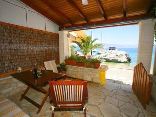 SPITI ANTIGONI - Corfu vacation rentals
