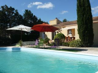 Modern house in Aude, Languedoc-Roussillon, with garden and private pool - sleeps 6 - Le Somail vacation rentals