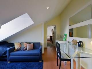 142 FLH - Bairro Alto funky apartment - Lisboa vacation rentals