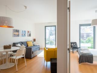 155 FLH Martin Moniz Castle View Apartment - Lisboa vacation rentals