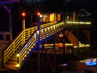 White Lotus Eco Spa Retreat - Tree house - Charlottesville vacation rentals