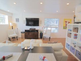 5 Star 2bd Modern Oasis w/Gourmet Inspired Kitchen - Los Angeles vacation rentals