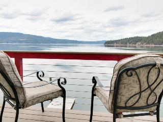 Great lakefront home w/private beach & dock! - Coeur d'Alene vacation rentals