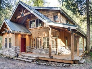 Secluded, wooded location with private hot tub & deck! - Welches vacation rentals