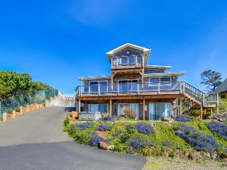 Big family retreat with great ocean views and beach access! - Depoe Bay vacation rentals