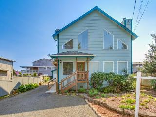 Luxurious home just around the corner from Siletz Bay! - Lincoln City vacation rentals
