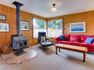 Charming, pet-friendly cottage close to beach & downtown! - Manzanita vacation rentals
