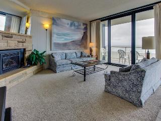 Beautiful oceanfront, pet-friendly condo close to everything - Seaside vacation rentals