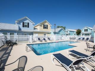 Beautiful Myrtle Beach Cottage Sleep8 walkto Beach - Myrtle Beach vacation rentals